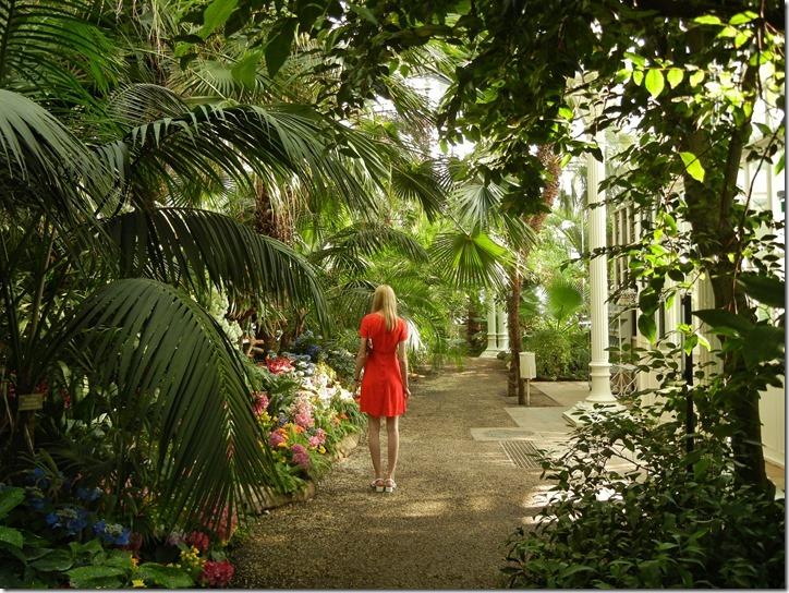 Лена в оранжерее Palmen Haus